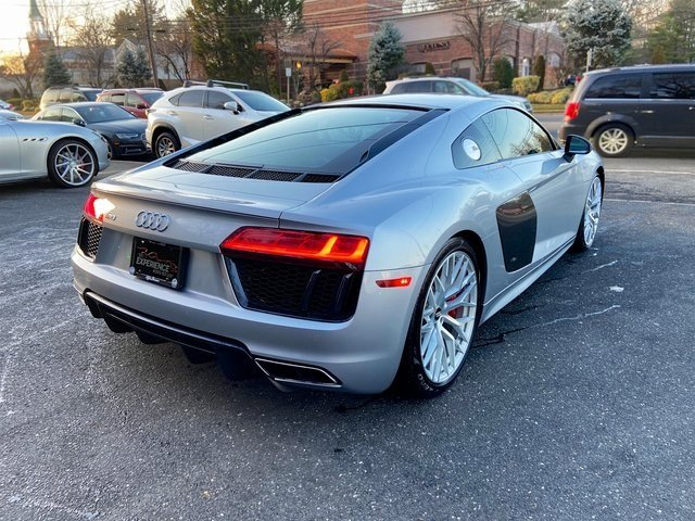 Pre-Owned 2017 Audi R8 Coupe V10